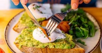 Những thói quen buổi sáng gây hại sức khỏe nhiều người mắc