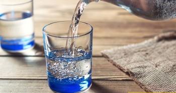 Nước sôi để nguội nên uống trong mấy ngày?