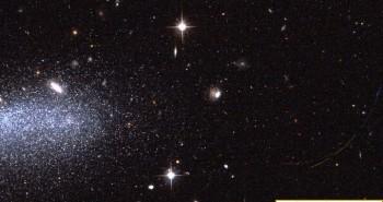 """Kính viễn vọng chụp ảnh tiểu hành tinh """"lao vào nhau"""""""