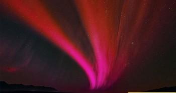 Bí ẩn vệt sáng đỏ xuất hiện trên trời 1.400 năm trước